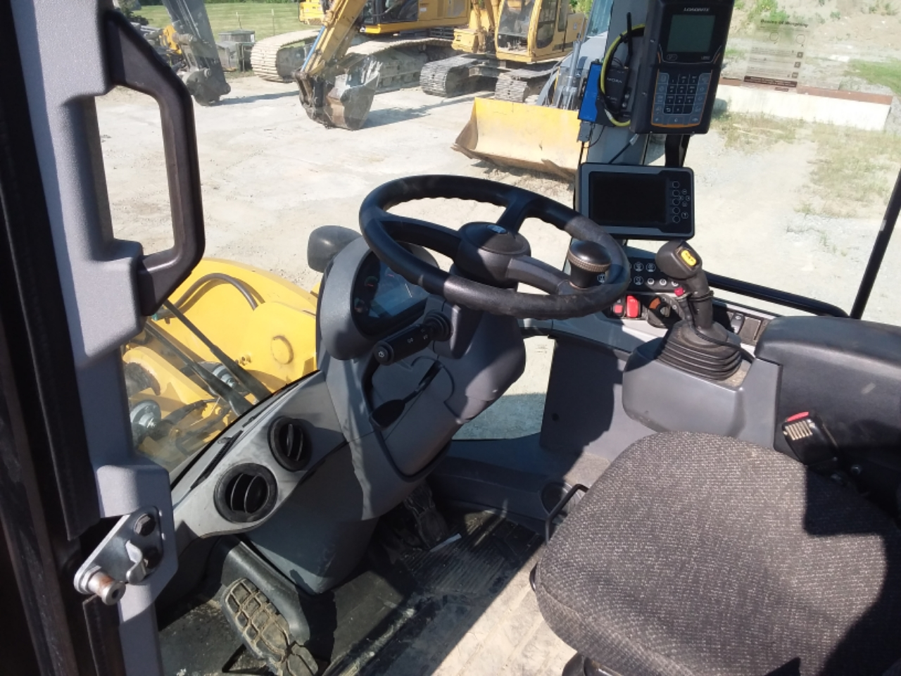 2016 Caterpillar 926M Image 14
